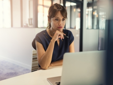 HR Practices to Empower Arab Women in the Workplace